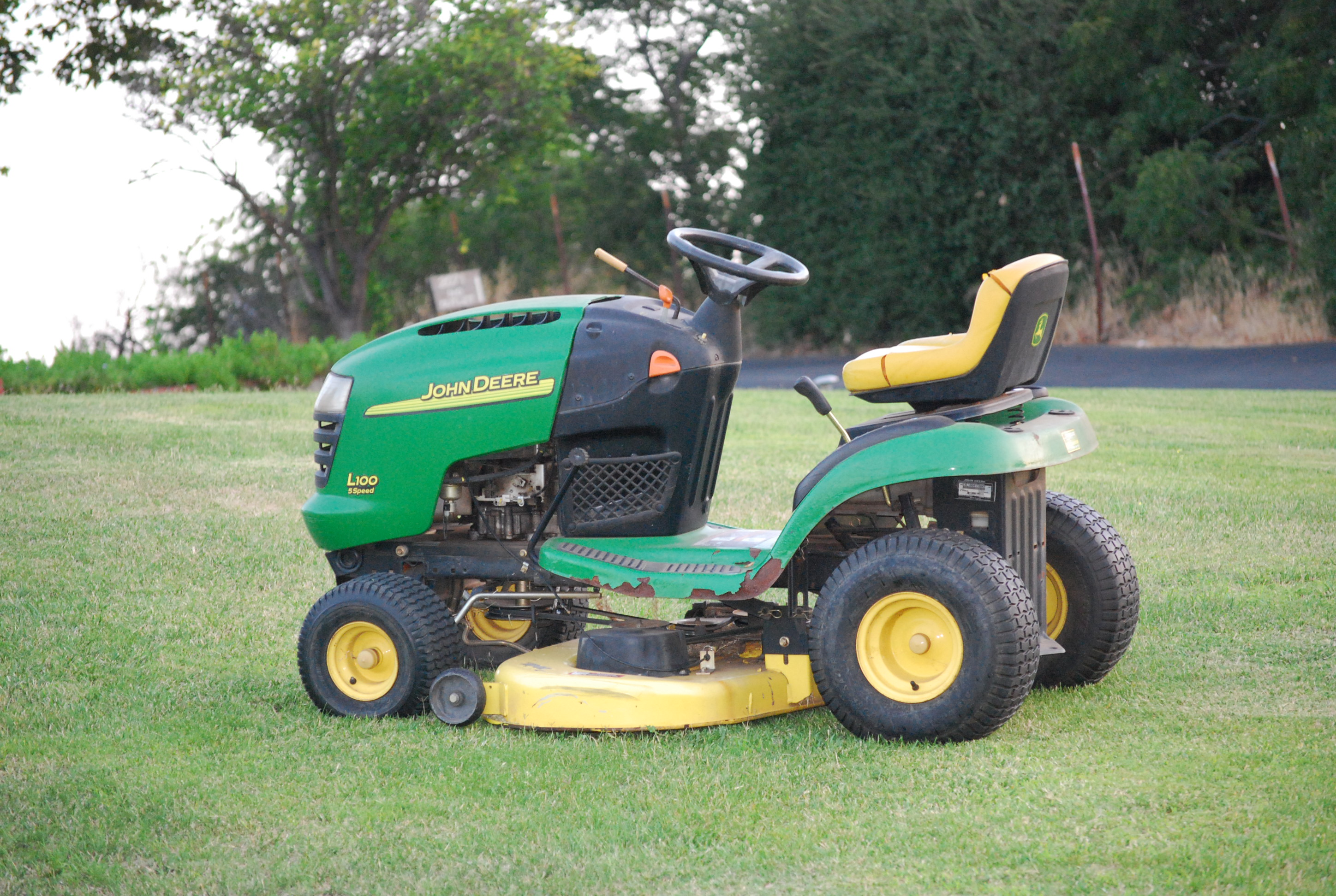 Forbes Tech Lawn Tractors